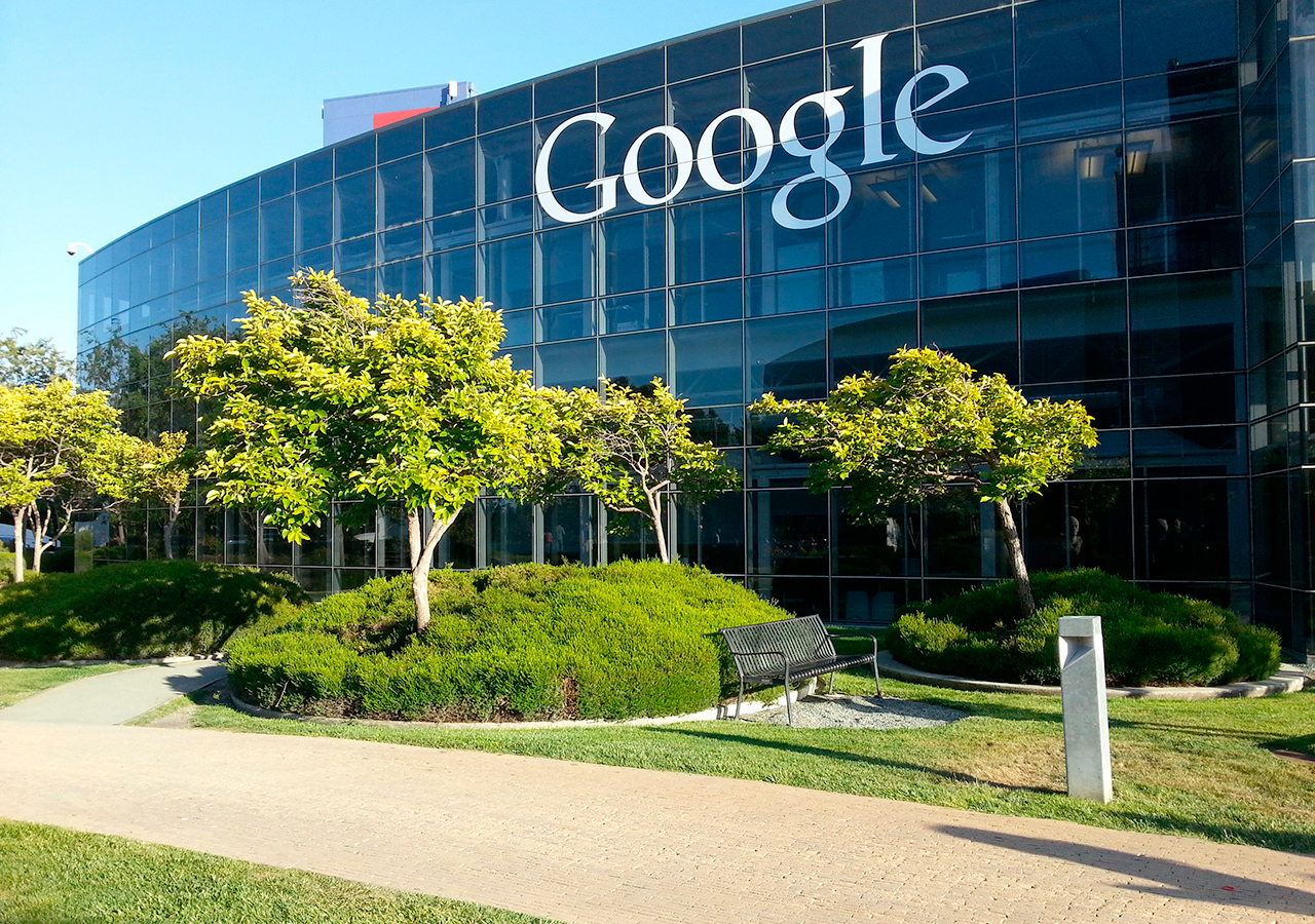 Bruselas acusa a google