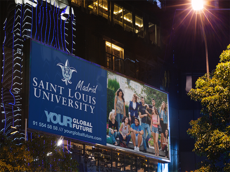Saint Louis University luminoso