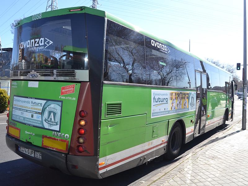 colegio-alarcon-exterior-bus